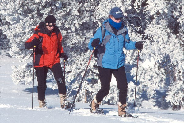Snowshoeing the South Rim Trail